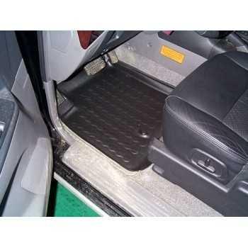 Tapis de pied avant gauche Mitsubishi Pajero 05-00 à 01-07