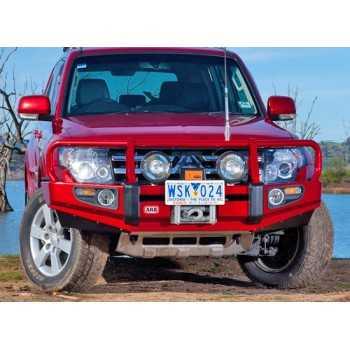 Pare chocs ARB avec support de treuil Mitsubishi Pajero 3.2L 2011-2014